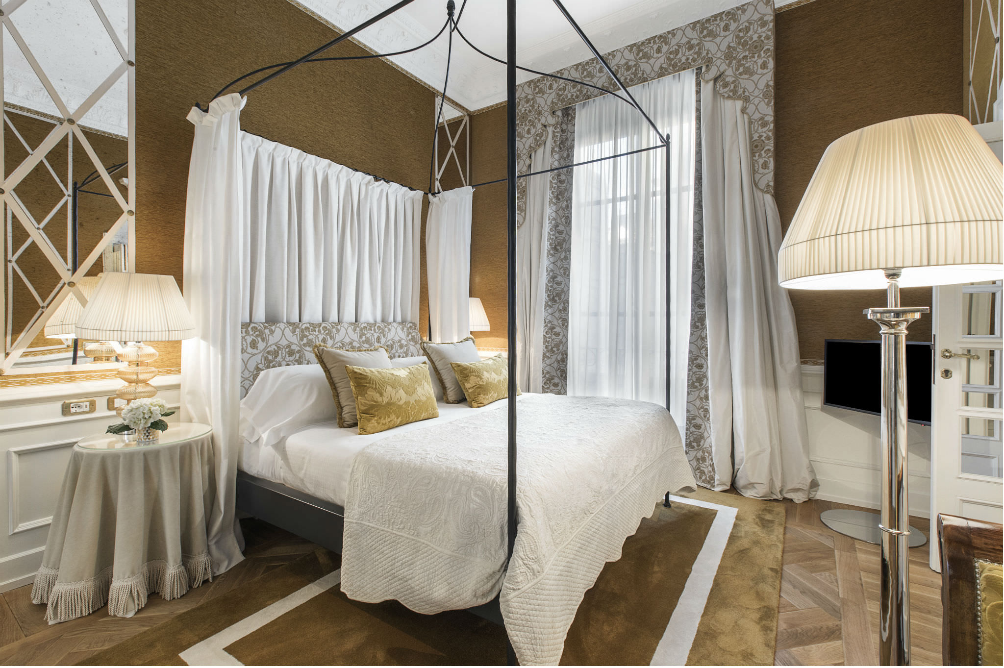 five-star-hotel-in-central-florence-helvetia-bristol-fi-heritage-suite