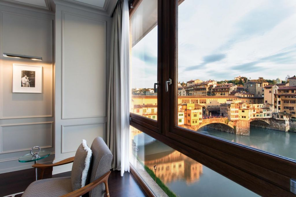 lungarno-collection_portrait-firenze_prestige-suite_river-view-photogallery